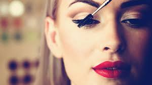 three glamorous makeup looks you can do in less than 2 minutes news on screen
