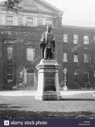 English: Monument to Egerton Ryerson in front of the Toronto Normal School  on Gould Street. Toronto, Canada. circa 1900 1279 Ryerson monument in front  of Normal School building Stock Photo - Alamy