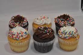Classic Birthday Cupcakes 12 Cupcakedropoffcom Cupcakedropoff