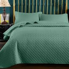 5 best comforters for dog hair in 2021
