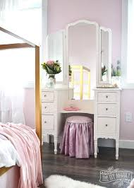Glam Chic Bedroom Ideas A Shabby Chic Glam Girls Bedroom Design Idea ...