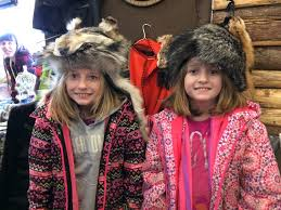 Smith twins have fun with fur at trappers' demo - kenoraonline.com