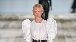 <b>Alexander McQueen</b> Spring 2020 Ready-to-Wear Collection - Vogue