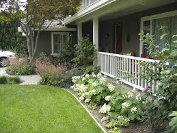Front Yard Ranch Style House With Hydrangeas : Outdoor Landscaping Ideas  For Ranch Style House