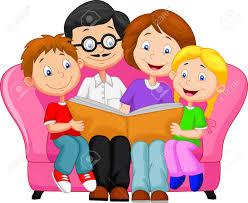 estudiando el catecismo en familia