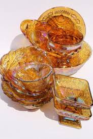 huge lot vintage indiana carnival glass in gold bowls berry dishes etc