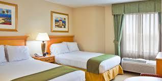 Bedroom Resorts Around Orlando Fl 2 Bedroom Suite Hotels In Lake