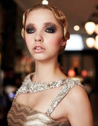 sup 6 dramatic makeup looks for the glamorous
