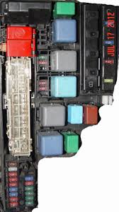 i have a toyota prius (hybrid) 2006 the car battery 12 vlt needed 2007 toyota prius fuse diagram at 2005 Prius Fuse Box