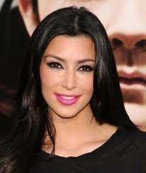 best kim kardashian makeup look 5 hot pink lips