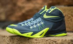 lebron 8 dunkman. after seeing the nike zoom lebron soldier 8 release earlier this year in usa and photo blue colorways, today we show you something a little on darker dunkman e