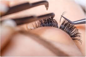 por eyelash treatments linked to
