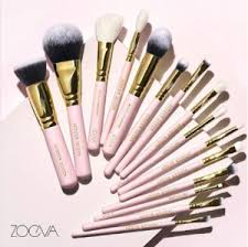 liquid and cream s like foundations and concealers are best matched with synthetic brushes this is also the ideal brush type for people who tend to