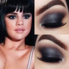 the makeup has to be strong and sensual it can achieved by creating smokey eyes with