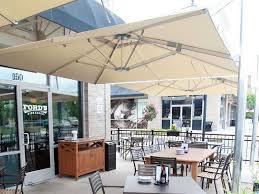 emu shade 10 square cantilever umbrella