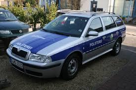 Warum Firmenwagen Als Polizeiautos Verkleidet Werden Wazde Region