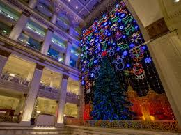 Macys Light Show Philly Top Free Holiday Attractions In Philadelphia For 2019