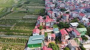 Lần đầu tiên ở Hà Nội, bay flycam giám sát nghìn dân trong 'vùng đỏ' -  VietNamNet