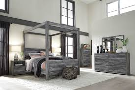 The Baystorm Gray 6 Pc. Dresser, Mirror, Chest & Queen Canopy Bed ...