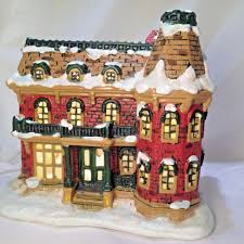 320 Sycamore Lighting Enesco Wonderful Life House 320 Sycamore Lighted Christmas