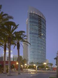exterior curtain wall floor intersection. the omni san diego hotel curtain wall is an example of a modern unitized exterior floor intersection