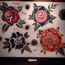 фото эскизы цветы цветы в стиле олд скул татуировки на бедре