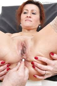 Ass Fingering Porn Pics At Mature Big Ass