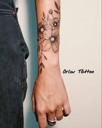 тату содержащие изображение цветов могут иметь гораздо более