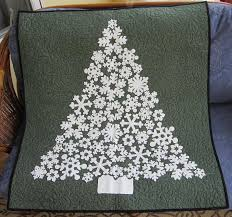 7 Spectacular Snowflake Quilt Patterns & White Christmas wall hanging Adamdwight.com