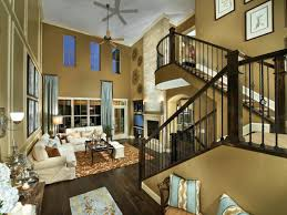 Traditional Entryway with High ceiling .