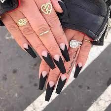 Son la mejor inversión en uñas postizas que puedas hacer, elegantes, combinan con todo, además que el sistema de uñas en gel te hará lucir unas uñas. Https Xn Decorandouas Jhb Net Unas Negras Decoradas