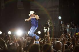 Pollstar Kenny Chesney Readies America For Summer 2020