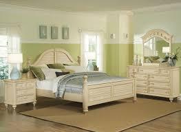 Cozy Antique Off White Bedroom Furniture antique white bedroom ...
