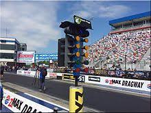 The four-lane LED CompuLink Christmas Tree with blue staging bulbs  (post-2011) currently in use at zMax Dragway near Charlotte, North Carolina.