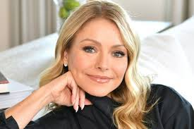 Kelly Ripa's dream job was to be a midwife