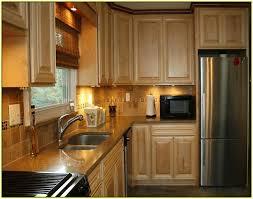 kitchen backsplash ideas with oak cabinets unique kitchen tile backsplash ideas with oak cabinets