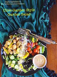 olive garden style garden salad easy copy cat recipe for house green salad from olive garden
