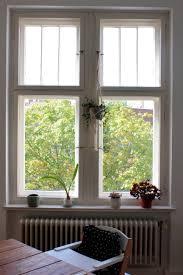 Blick In Die Baumwipfel Altbau Fenster Couch