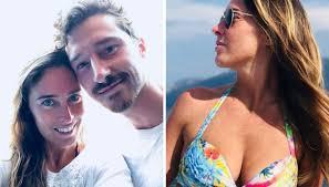 Maria Elena Boschi splendida in bikini su Instagram col fratello