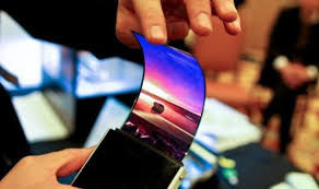 samsung oled. 2017 will be the year of flexible oled displays. while this may sound like a pretty familiar refrain, right up there with revolutionary new battery tech, samsung oled
