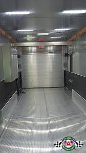 this trailer also includes an extruded aluminum floor with recessed airline track an engine changer beam and nitrogen tank holders