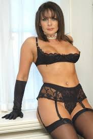 Mature beauty fucking in lingerie