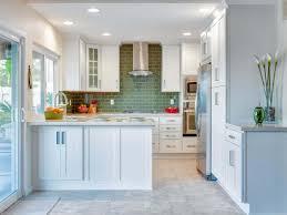 Kitchen Looks Modern Small Kitchen Design Idea Which Is Look Bigger With Cream