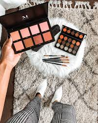 i recently went on insram live and chatted with you guys answered some questions and went through my everyday makeup routine i absolutely love makeup