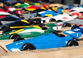 pinewood derby race cars 10 pinewood derby planning tips proven to work
