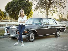 A Designer S Guide To L A Living Los Angeles Style Luxury Lifestyle Girly Luxury Lifestyle Fashion