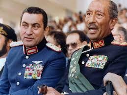 بصور نادرة.. تاريخ حسني مبارك منذ توليه الحكم حتى وفاته