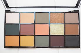 makeup revolution iconic division palette swatches