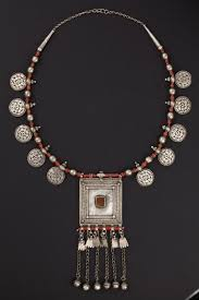 xxx Yemen Silver and coral necklace from the early 1900s.