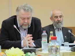 Комитет Госдумы по науке поддержал законопроект об отмене срока  Вадим Васильев и Андрей Цатурян на обсуждении законопроекта